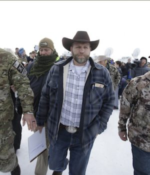 GOP candidates respond to Oregon standoff