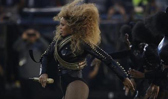 BeyoncÈ performs during halftime of the NFL Super Bowl 50 football game between the Denver Broncos and the Carolina Panthers, Sunday, Feb. 7, 2016, in Santa Clara, Calif.  (AP Photo/Jae C. Hong)