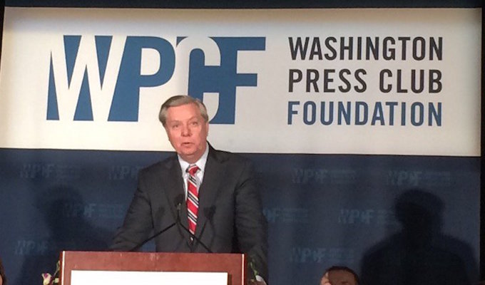 Lindsey Graham jokes about killing Ted Cruz at Washington Press Club dinner