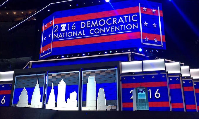Democrats finally add Old Glory to convention stage on second day