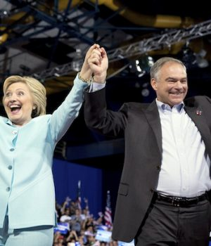 Kaine panders to Latino voters in intro speech