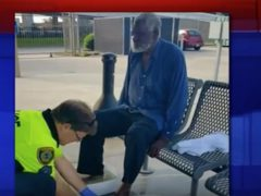 police_wash_feet