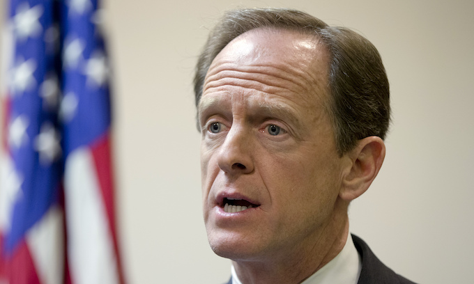 Toomey wants defeated Luther Strange as write-in against Roy Moore