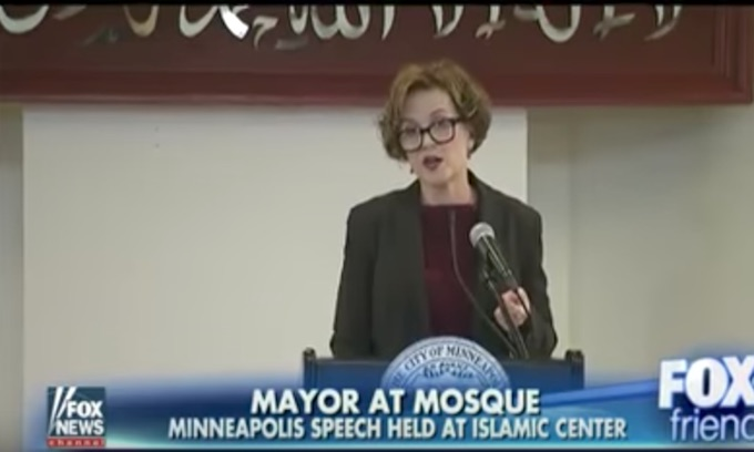 Minneapolis mayor speaks at mosque to reassure Muslims she stands with them