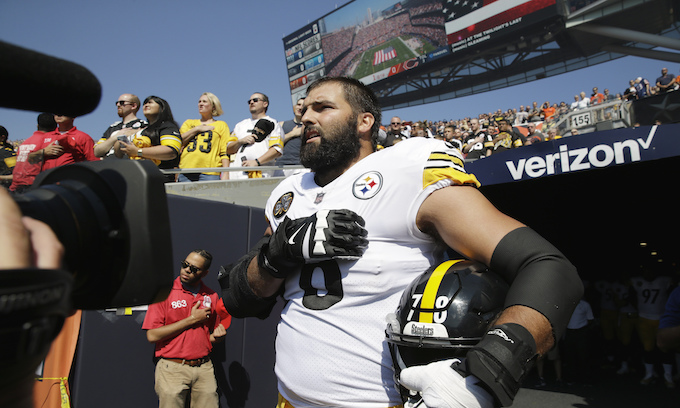 One Pittsburgh Steeler honored America while the rest of the team hid in the locker room