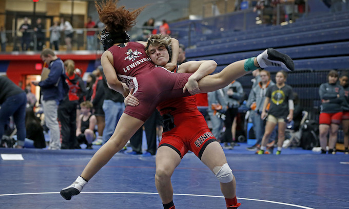 Double-crossed? 'Transgender boy' wins 2nd girls' wrestling title