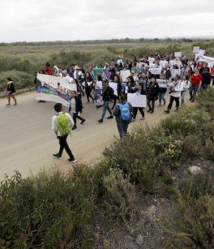 RINOs defect, Democrats scream over Trump's zero tolerance border policy