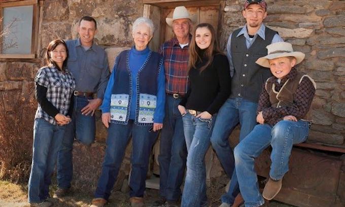 Trump pardons Oregon ranchers whose plight led to refuge occupation
