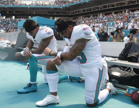 Hardly any NFL players kneel for anthem in Week 2