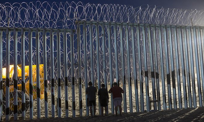 Tijuana struggles with the presence of Central American caravan members