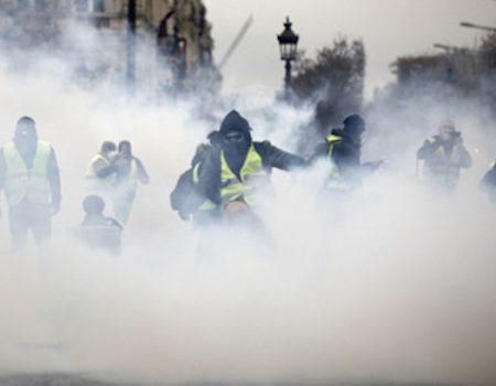 Paris Riots Against Macron, Gas Tax, Worst in a Decade