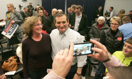 Ted Cruz makes final pitch on eve of Iowa voting