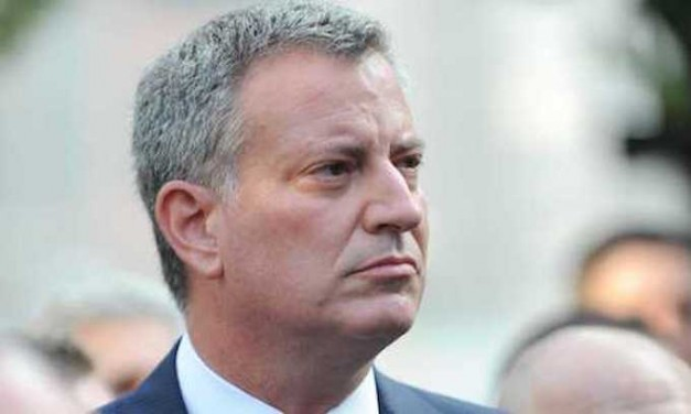Bill de Blasio tells NYPD to stop marijuana arrests