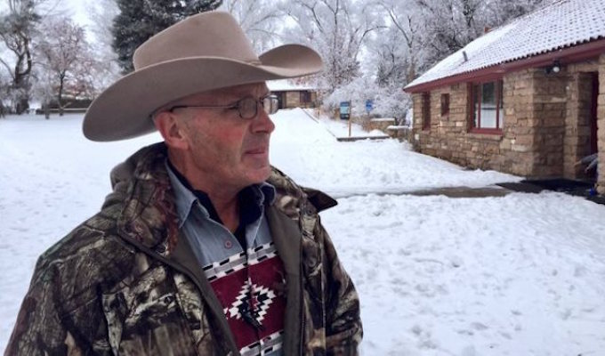 Oregon 'rolling rally' protests killing of Robert 'LaVoy' Finicum