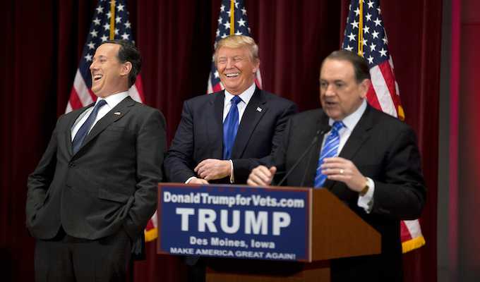 Trump counter-debate event raises money for vets, draws candidates