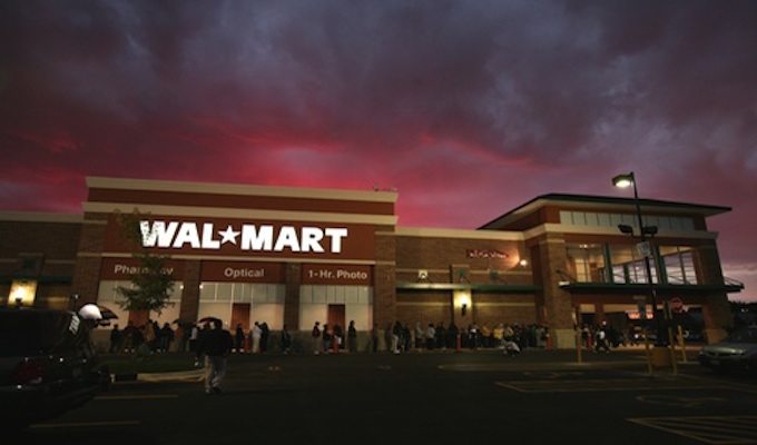 Couple injured in El Paso mass shooting sues Walmart