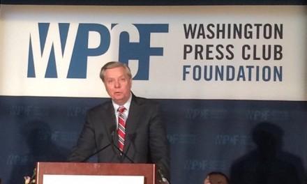 Lindsey Graham jokes about killing Ted Cruz at Washington Press Club dinner