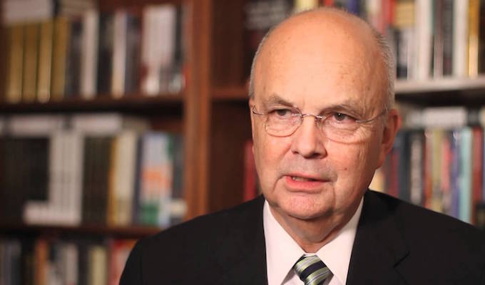 Former CIA head attacks GOP front runners