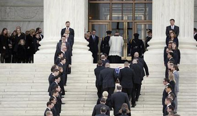 Lines form at Supreme Court to pay respects to Justice Scalia