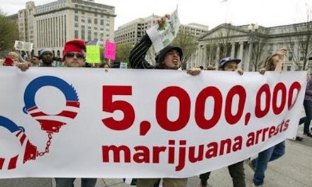 Marijuana activists protest outside White House