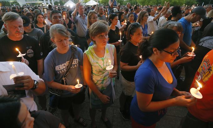 Dallas held vigil for officers preceding Obama visit