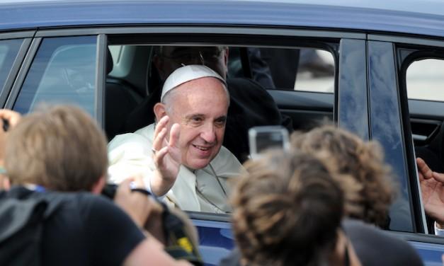 Pope Francis admits: Not all migrants good, not all border limits bad