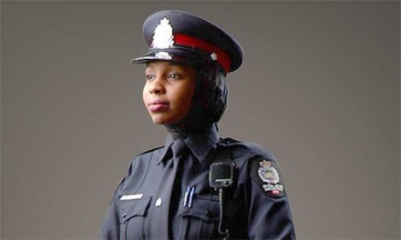 Female Canadian Mounties can wear hijabs with uniform, gov't says