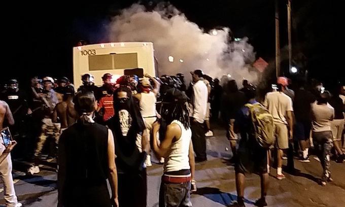 Blacks riot in Charlotte after black officer shoots black man; 12 officers injured