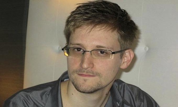 Edward Snowden requests presidential pardon