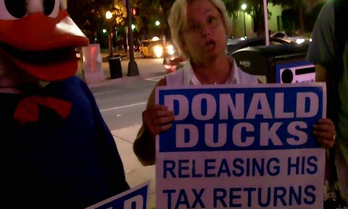 Hillary Clinton's Daffy idea: Stalking Donald Trump with duck