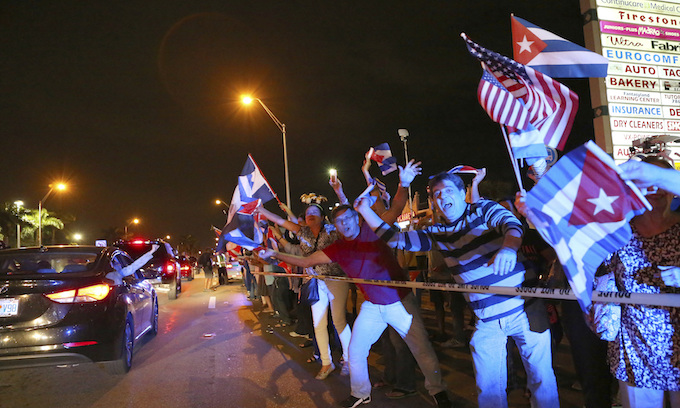 Castro Dead: Revelry and cheers in Miami