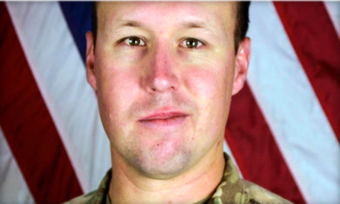 Gold Star Family of Slain Stockton Soldier Booed on Flight