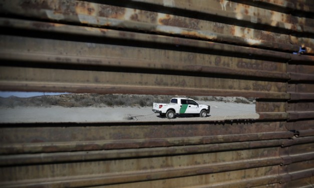 Border Patrol catches 400 illegal aliens in five minutes