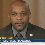 Denver mayor tries to save his job with apology