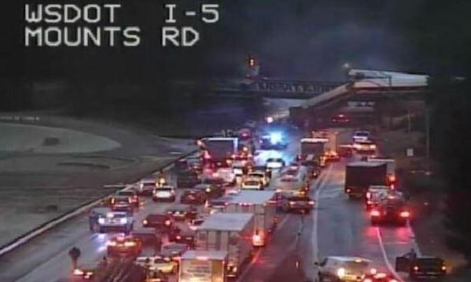 Amtrak train derails, falls from overpass onto I-5 near Seattle