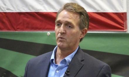 Big talker Jeff Flake says he won't challenge Trump in 2020