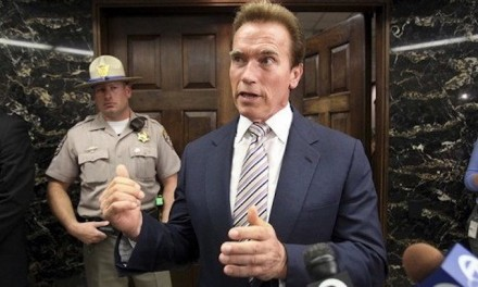 Arnold Schwarzenegger plans to sue oil companies for 'killing people'