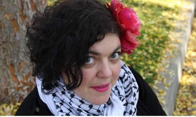 Does Professor Randa Jarrar really make $100k as she claimed in her tweets?
