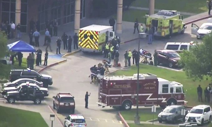 Texas high school shooting leaves at least 8 dead, 1 suspect in custody, 1 detained