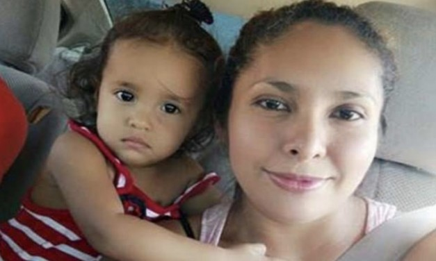 Sandra Sanchez, mother of crying child, previously deported
