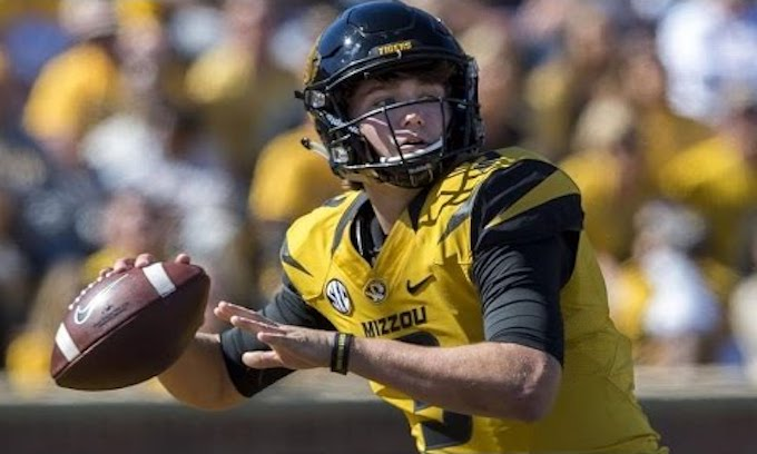 University of Missouri QB Apologizes for Offensive Tweets Sent in Middle School