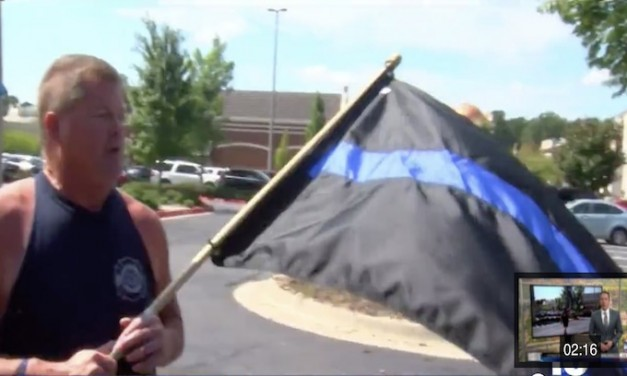 Nike store calls cops on man for waving pro-police flag
