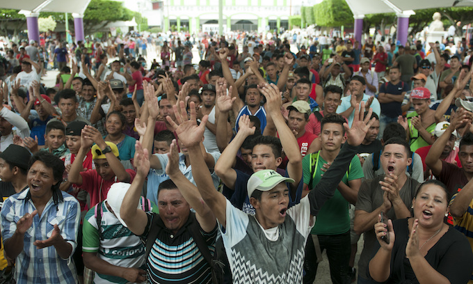 Army of Central Americans pushes into Mexico headed for US border