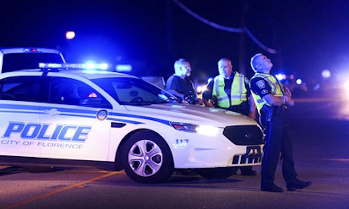 7 officers shot, 1 fatally, serving warrant in S. Carolina