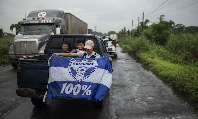 News media joins the Honduran 'caravan'