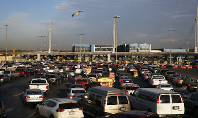 Caravan forces short-term shutdown on U.S. border as DHS boosts security