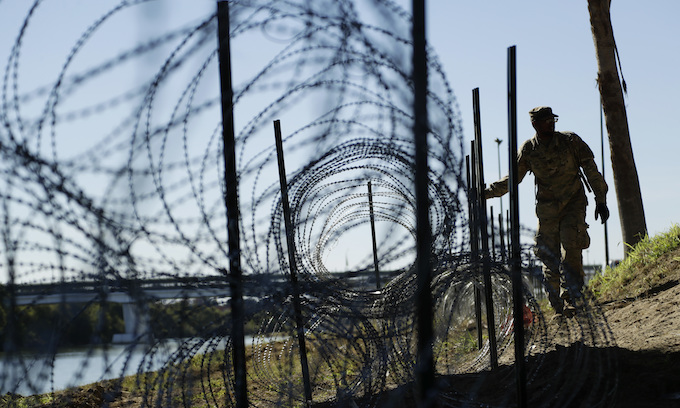 Pentagon extends mission at U.S.-Mexico border through September