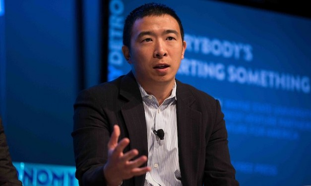 Democrat hopeful Andrew Yang campaigns on universal basic income