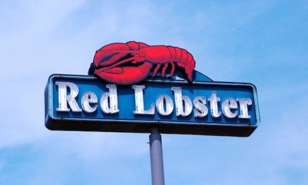 Red Lobster lines up with the left and pulls Tucker Carlson's advertising