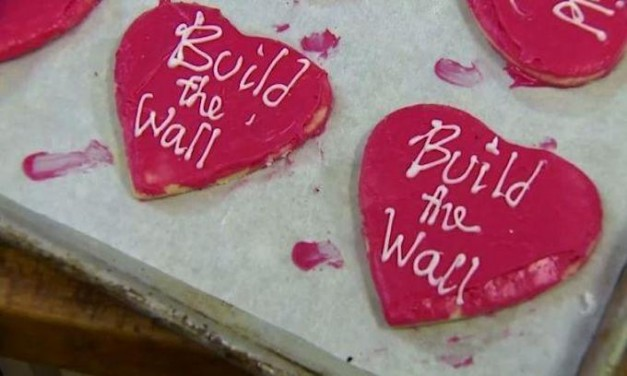 Washington baker retracts apology for 'Build that Wall' cookies